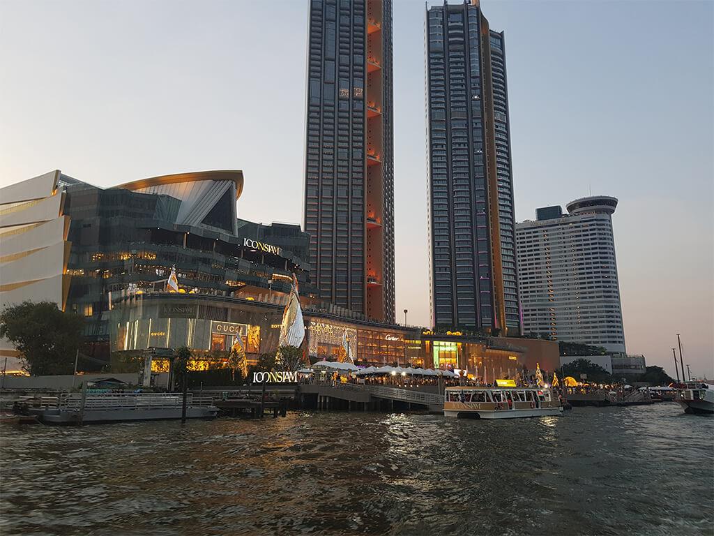 Asiatique entlang des Chao Phraya: eine beliebte Silvester Location